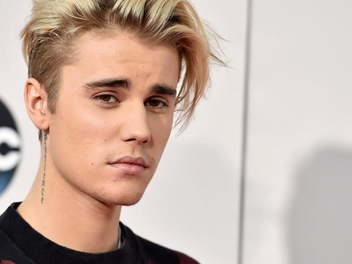 Justin Bieber Teaches Fans Some Spotify and iTunes Cheats To Top Billboard Charts