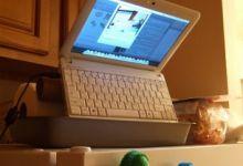 Hackintosh Netbook Demoted To Pet Webcam
