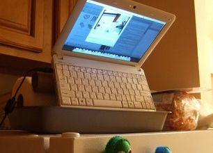 Photo of Hackintosh Netbook Demoted To Pet Webcam