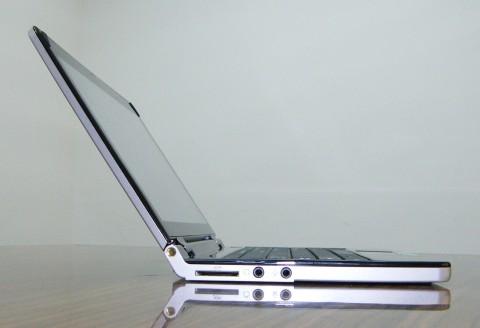 10.2-Inch Albatron Netbook Redefines Thin