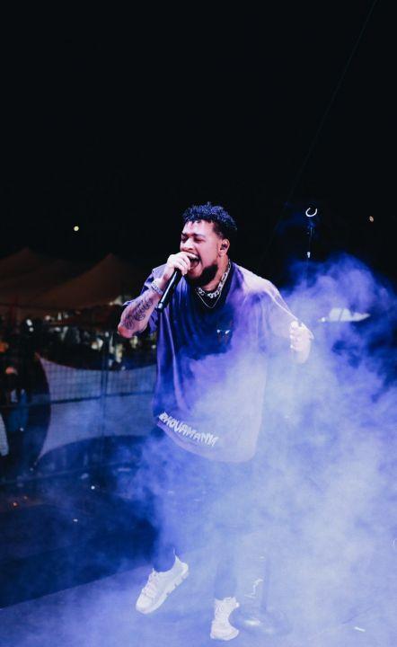 "AKA Performs ""F.R.E.E"" With Riky Rick & DJ Tira On LiveAMP"