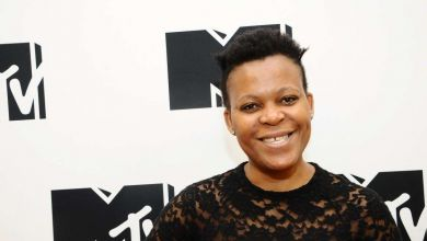Man Tries To Finger F&ck Zodwa Wabanto During Performance