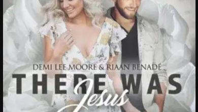 """Photo of Demi Lee Moore & Riaan Benade Praises On """"There Was Jesus"""""""