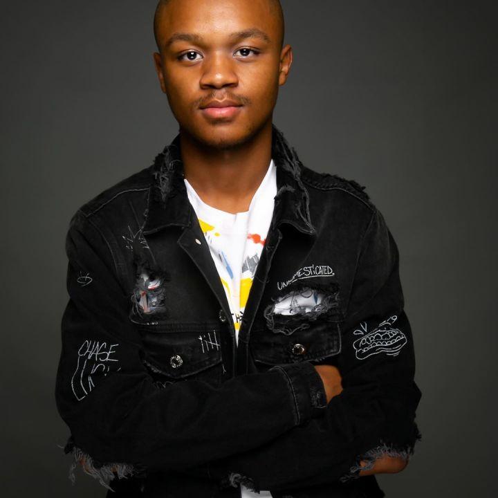 Mphow 69 – Mkantshubomvu (Remix) ft. L'vovo, Danger & DJ Tira
