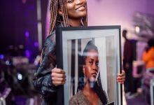 "Ami Faku Collects Platinum Plaque For ""Ubuhle Bakho"""