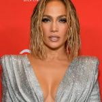 Watch Jennifer Lopez Do The #LoveDontCostAThingChallenge