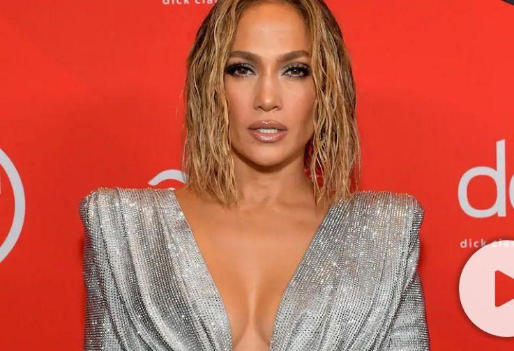 Did Jennifer Lopez Copy Beyoncé During AMA Performance?