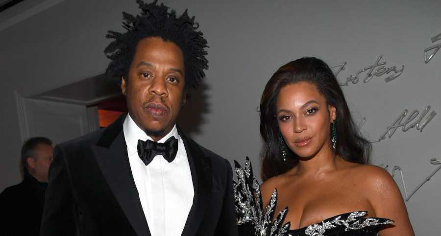 Jay Z & Beyoncé Enjoy Expensive Wine On Valentine's Day