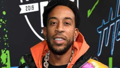 Fans Excited As Ludacris Flies Plane (Video)