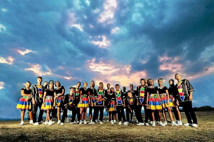 Ndlovu Youth Choir – Wonderful World