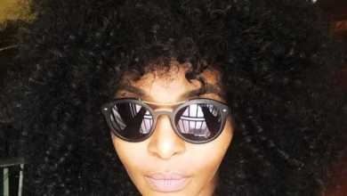Simphiwe Dana Gives The Finger To Universal Music