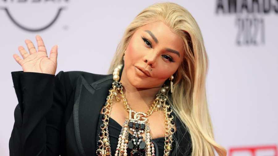 Video: Lil Kim Thirsting For A Verzuz Rap Battle With Nicki Minaj