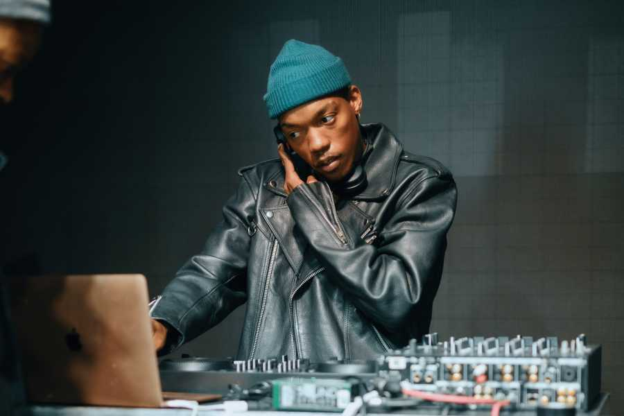 Muzi on Vuse Inspired Live.