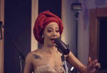 """Kelly Khumalo Drops Video For """"Kuyenyukela"""" Acoustic Studio Session"""